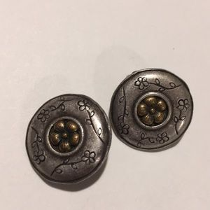 Vintage Guess Southwestern Style Clip earrings